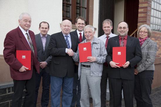 Ehrungen bei der SPD: D. Ullrich, S. Koch, W. Schuster, D. Rauber, B. Schulze, J. Mock, F. Schneider, K. Stopperka