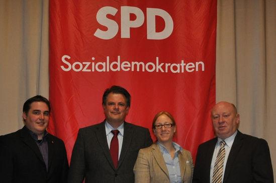 Stefan Scholl (Ersatzkandidat Landtag), Stephan Grüger (Landtagskandidat) mit Dagmar Schmidt u. Wolfgang Schuster