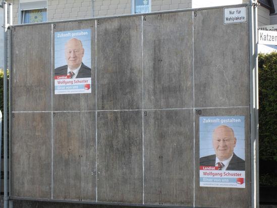 Nicht nur, aber auch auf Plakaten präsent: Unser Landrat Wolfgang Schuster